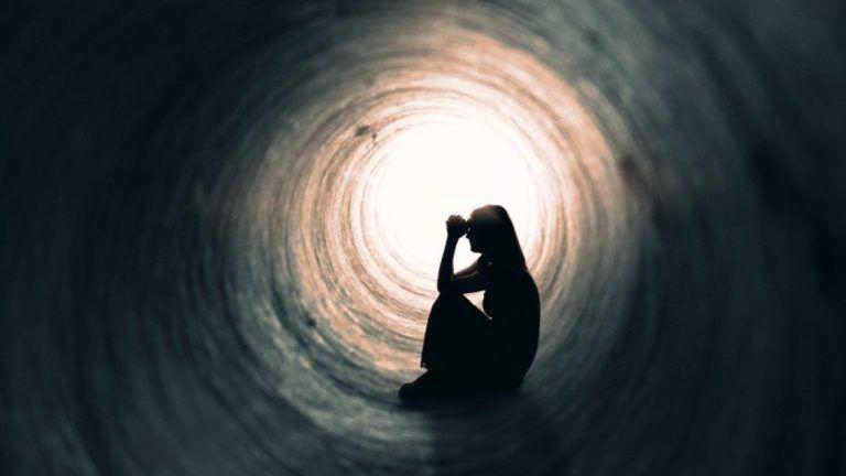Aumentan suicidios en Pandemia: OMS