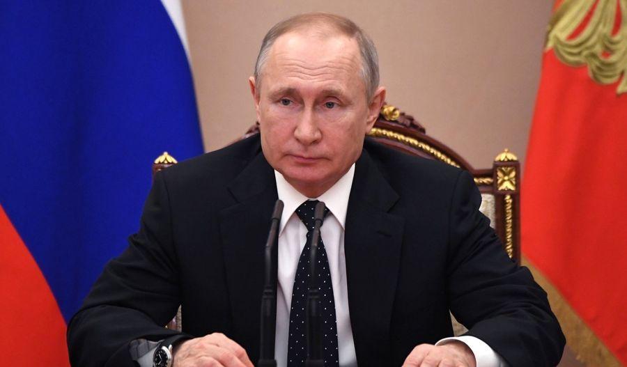 Invita Putin a extranjeros a vacunarse en Rusia