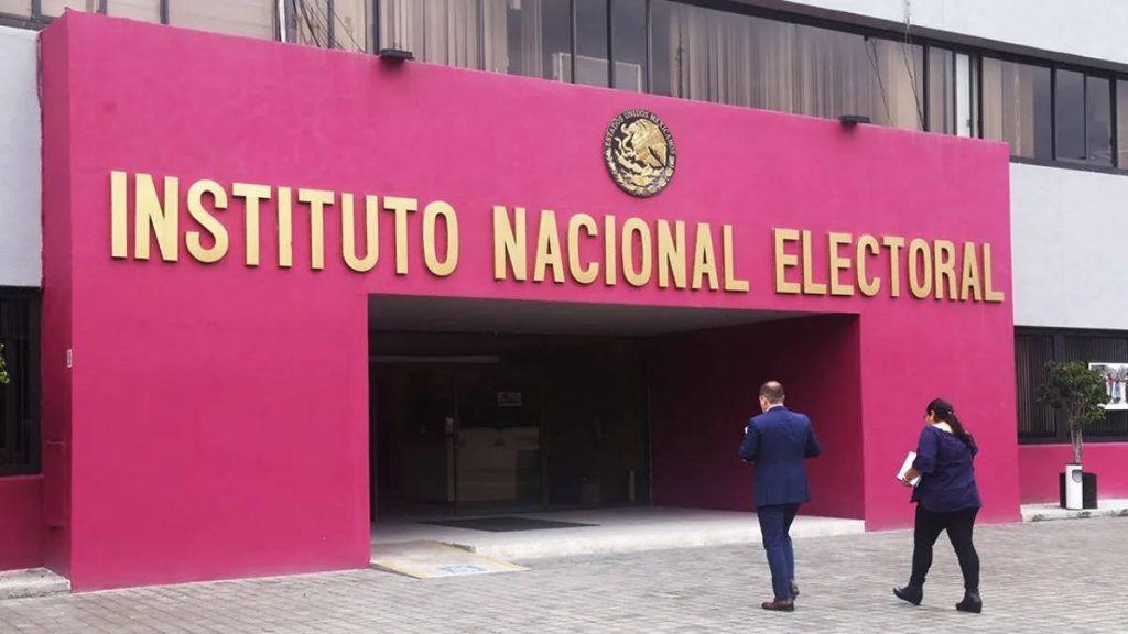 INE no quiere que hable de democracia: AMLO