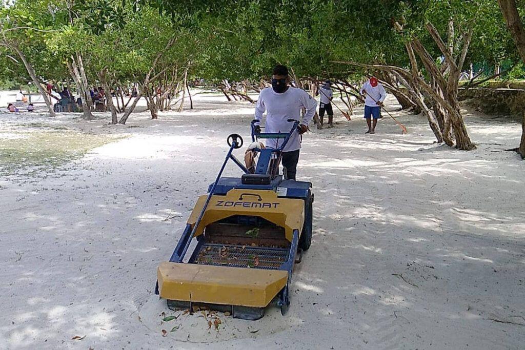 Mantiene Solidaridad sus playas limpias durante las vacaciones de Semana Santa
