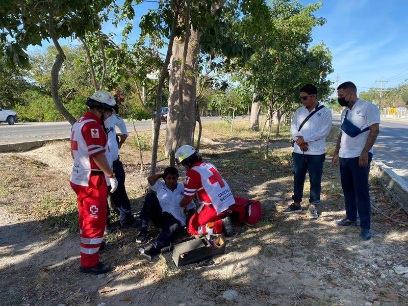 Choque y voladura deja dos heridos en Playa del Carmen
