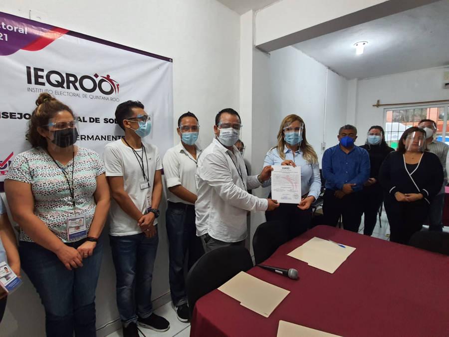 Recibe Lili Campos constancia de mayoría por el IEQROO