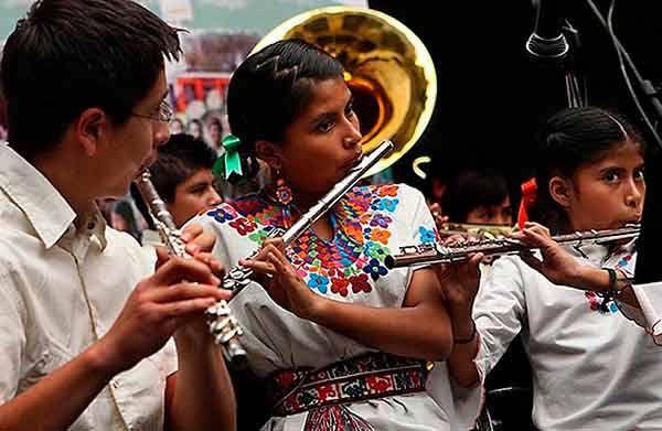Plagio y explotación sufre la música tradicional de México