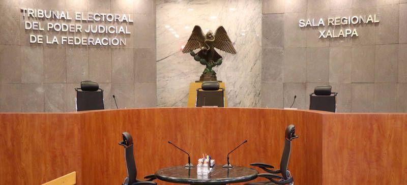 Confirman medidas cautelares contra morena en juicio del gobernador