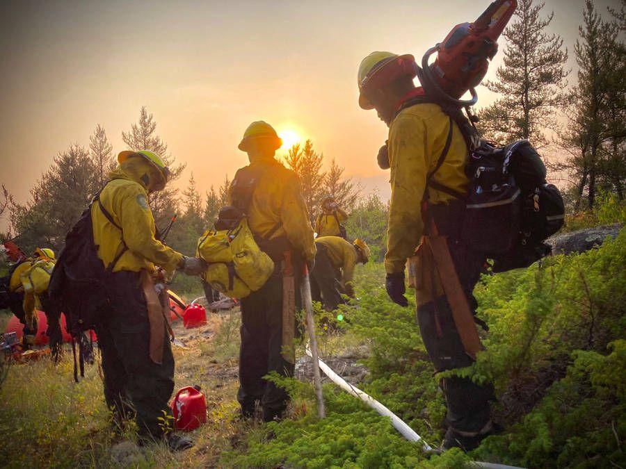 Envía México segundo grupo de combatientes de incendio forestales a Canadá