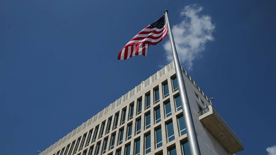 Evalúa EEUU aumentar personal de su embajada en Cuba