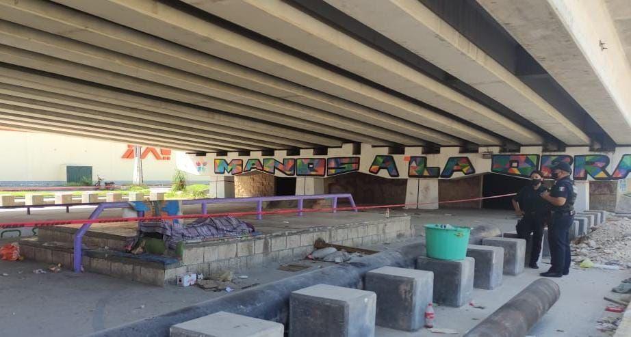 Muere indigente bajo puente de Bulevar Playa del Carmen