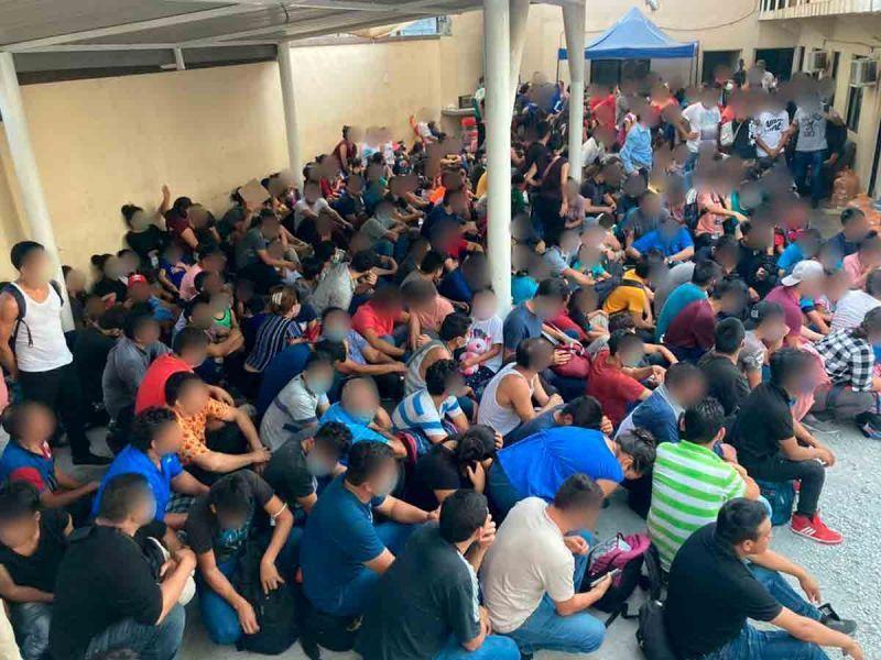 Por muerte de menor descubren a más de 300 migrantes