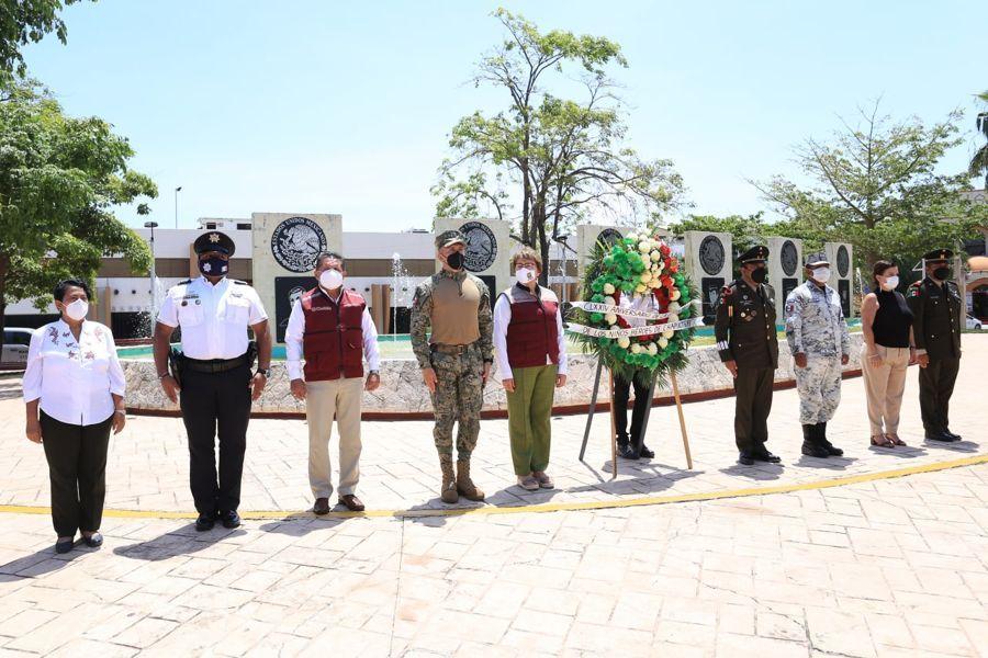 Con la asistencia de mandos militares se conmemora en Solidaridad a los Niños Héroes